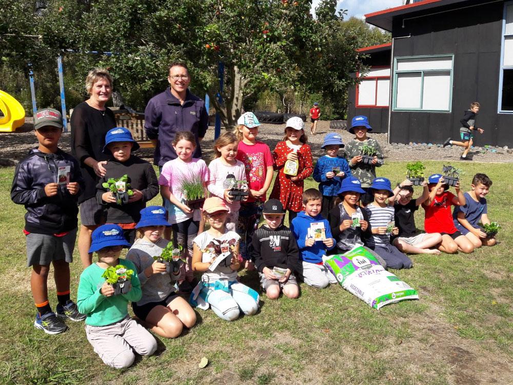 Kaitoke School Vegetable Garden Team with Gareth Carter from Springvale Garden Centre